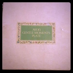 Hello selling at Avon gentle moments plate
